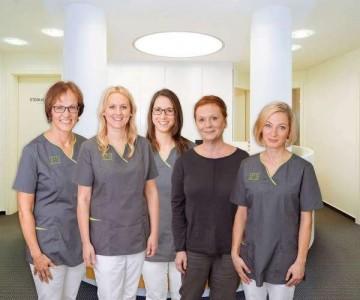 Zahnarztpraxis Dr. med. dent. Gabriele Matuschek-Grohmann Referenz-Bild Team Matuschek Koblenz