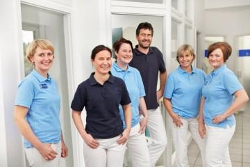 Zahnarztpraxis Dr. Pohl Referenz-Bild Team Der Zahnarztpraxis Pohl In Bergisch Gladbach