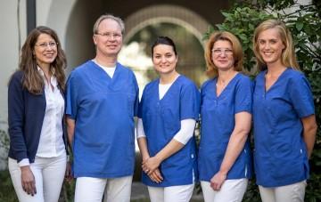 Zahnarztpraxis Prof. Dr. Peter Hahner Referenz-Bild Team Zahnarzt Dr Hahner Koeln