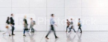 RC-Photo-Stock Referenz-Bild Stock Photo Blurred Business People At A Trade Fair 4347
